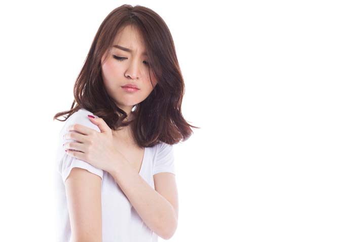 3 signs you have a shoulder injury and how to treat it